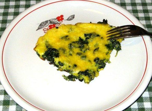 yaichnica-s-kabachkami-i-shpinatom-яичница-с-кабачками-и-шпинатом